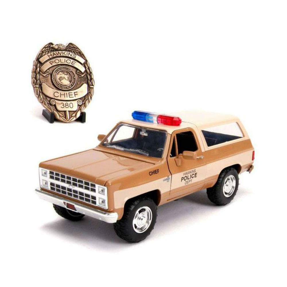 Stranger Things Diecast Model 1/24 Chief Hoppers 1980 Chevy K5 Blazer with badge